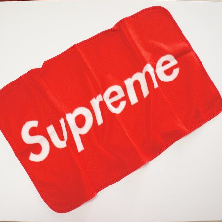 Supreme ブランケット<img class='new_mark_img2' src='https://img.shop-pro.jp/img/new/icons47.gif' style='border:none;display:inline;margin:0px;padding:0px;width:auto;' />