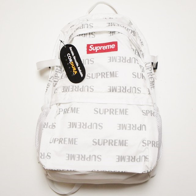 Supreme Box Logo 3M Reflective Repeat Backpack<img class='new_mark_img2' src='//img.shop-pro.jp/img/new/icons47.gif' style='border:none;display:inline;margin:0px;padding:0px;width:auto;' />
