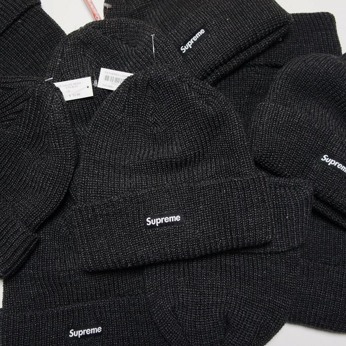 Supreme Heather Loose Gauge Beanie<img class='new_mark_img2' src='https://img.shop-pro.jp/img/new/icons47.gif' style='border:none;display:inline;margin:0px;padding:0px;width:auto;' />