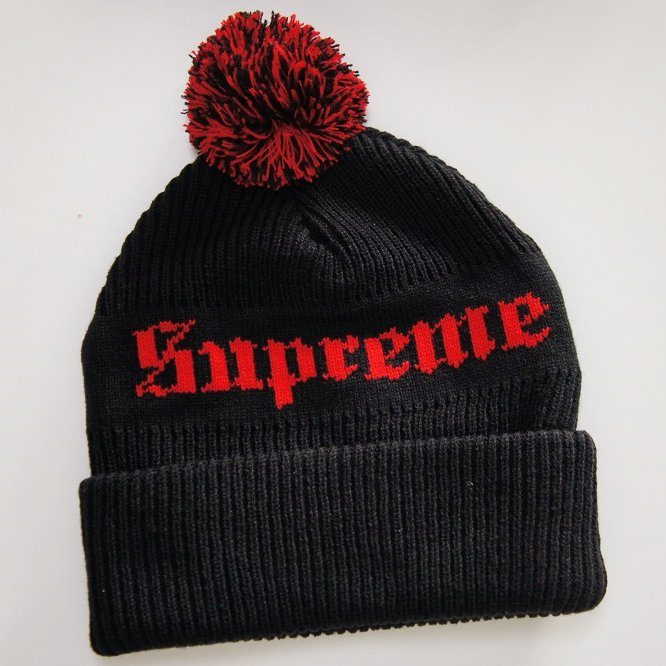 Supreme Old English Beanie<img class='new_mark_img2' src='https://img.shop-pro.jp/img/new/icons47.gif' style='border:none;display:inline;margin:0px;padding:0px;width:auto;' />