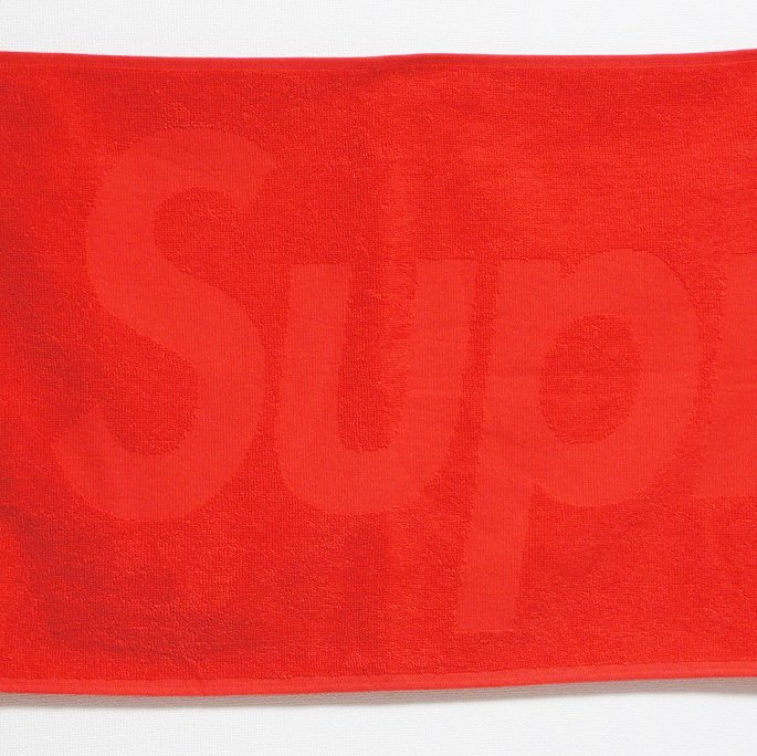 Supreme Terry Logo Hand Towel <img class='new_mark_img2' src='//img.shop-pro.jp/img/new/icons15.gif' style='border:none;display:inline;margin:0px;padding:0px;width:auto;' />