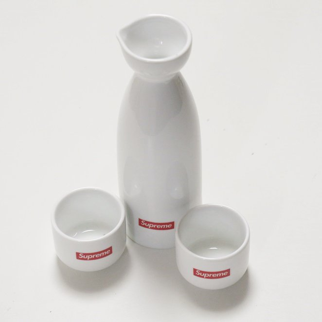 Supreme Sake Set<img class='new_mark_img2' src='//img.shop-pro.jp/img/new/icons15.gif' style='border:none;display:inline;margin:0px;padding:0px;width:auto;' />