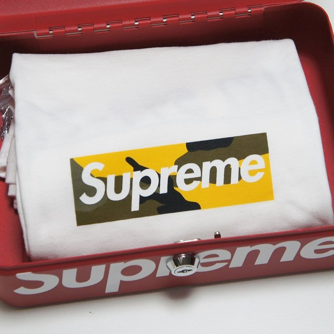 Supreme Brooklyn Box Logo Tee<img class='new_mark_img2' src='//img.shop-pro.jp/img/new/icons47.gif' style='border:none;display:inline;margin:0px;padding:0px;width:auto;' />