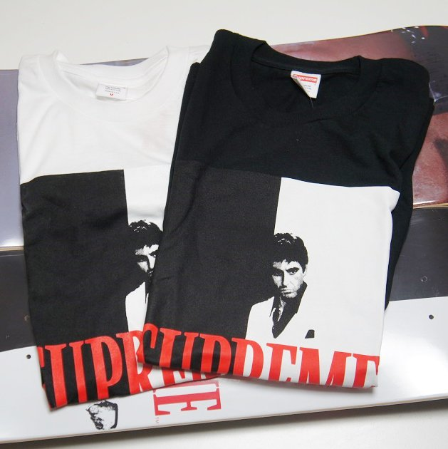 Supreme Scarface Split Tee<img class='new_mark_img2' src='//img.shop-pro.jp/img/new/icons47.gif' style='border:none;display:inline;margin:0px;padding:0px;width:auto;' />