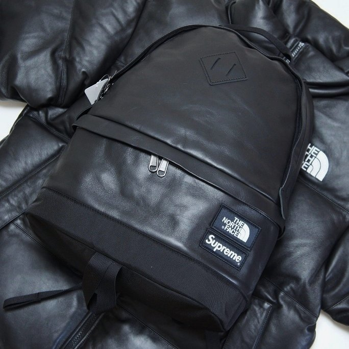Supreme The North Face Leather Day Pack<img class='new_mark_img2' src='https://img.shop-pro.jp/img/new/icons47.gif' style='border:none;display:inline;margin:0px;padding:0px;width:auto;' />