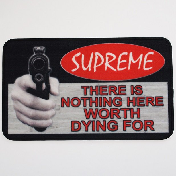 Supreme Welcome Mat<img class='new_mark_img2' src='//img.shop-pro.jp/img/new/icons15.gif' style='border:none;display:inline;margin:0px;padding:0px;width:auto;' />