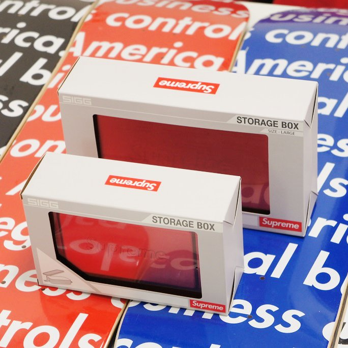 Supreme SIGG Metal Box Plus<img class='new_mark_img2' src='https://img.shop-pro.jp/img/new/icons15.gif' style='border:none;display:inline;margin:0px;padding:0px;width:auto;' />