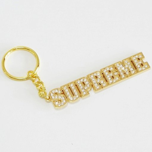Supreme Block Logo Keychain <img class='new_mark_img2' src='//img.shop-pro.jp/img/new/icons15.gif' style='border:none;display:inline;margin:0px;padding:0px;width:auto;' />
