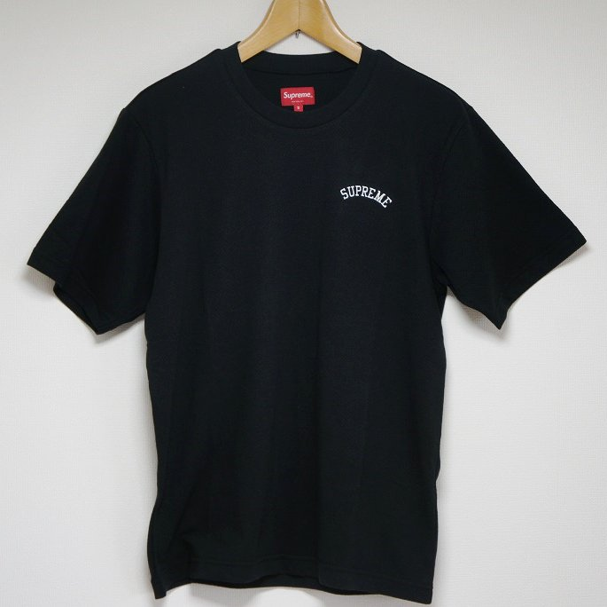 Supreme Mesh Arc Logo Tee<img class='new_mark_img2' src='https://img.shop-pro.jp/img/new/icons47.gif' style='border:none;display:inline;margin:0px;padding:0px;width:auto;' />