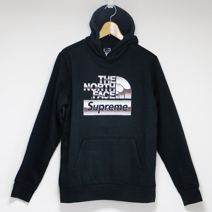Supreme The North Face Metallic Logo Hooded<img class='new_mark_img2' src='//img.shop-pro.jp/img/new/icons15.gif' style='border:none;display:inline;margin:0px;padding:0px;width:auto;' />