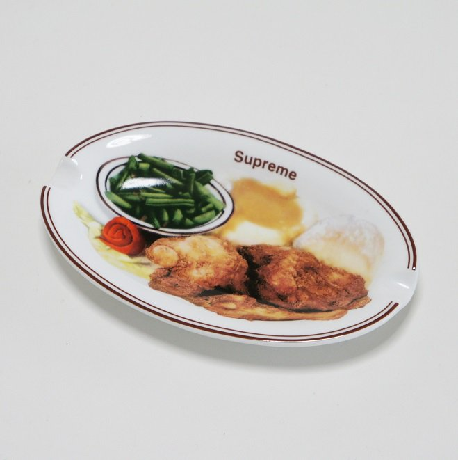 Supreme Chicken Dinner Plate Ashtray<img class='new_mark_img2' src='https://img.shop-pro.jp/img/new/icons47.gif' style='border:none;display:inline;margin:0px;padding:0px;width:auto;' />