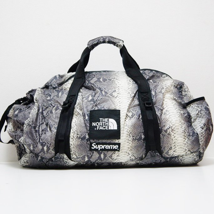 Supreme The North Face Snakeskin Flyweight Duffle Bag<img class='new_mark_img2' src='//img.shop-pro.jp/img/new/icons47.gif' style='border:none;display:inline;margin:0px;padding:0px;width:auto;' />