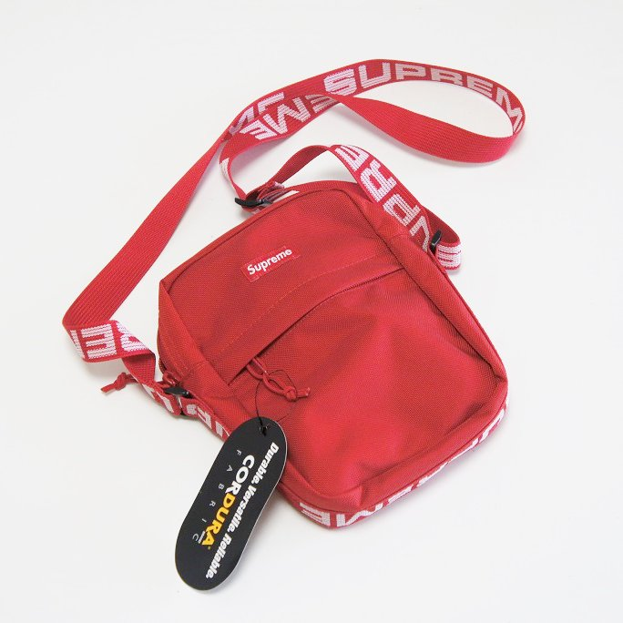 Supreme Shoulder Bag<img class='new_mark_img2' src='//img.shop-pro.jp/img/new/icons16.gif' style='border:none;display:inline;margin:0px;padding:0px;width:auto;' />