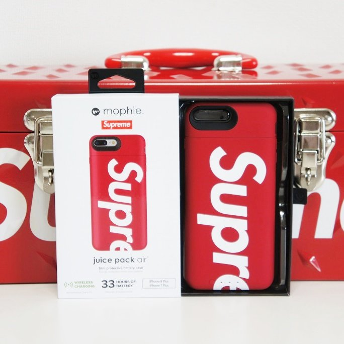 Supreme Mophie iPhone 8 Plus Juice Pack Air <img class='new_mark_img2' src='https://img.shop-pro.jp/img/new/icons47.gif' style='border:none;display:inline;margin:0px;padding:0px;width:auto;' />