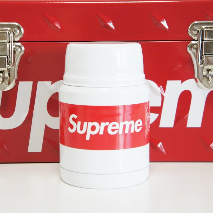 Supreme Thermos Stainless King Food Jar + Spoon<img class='new_mark_img2' src='https://img.shop-pro.jp/img/new/icons15.gif' style='border:none;display:inline;margin:0px;padding:0px;width:auto;' />
