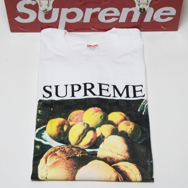 Supreme Still Life Tee<img class='new_mark_img2' src='https://img.shop-pro.jp/img/new/icons15.gif' style='border:none;display:inline;margin:0px;padding:0px;width:auto;' />
