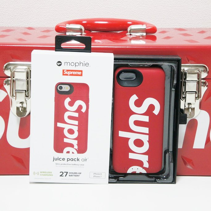 Supreme Mophie iPhone 8 Juice Pack Air <img class='new_mark_img2' src='https://img.shop-pro.jp/img/new/icons47.gif' style='border:none;display:inline;margin:0px;padding:0px;width:auto;' />