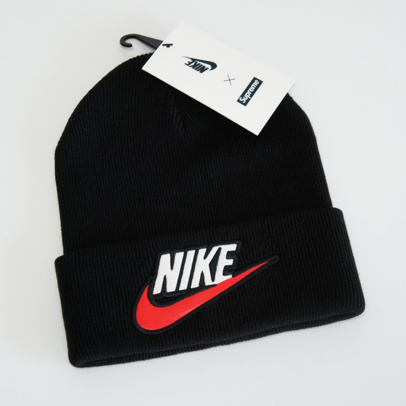 Supreme Nike Beanie<img class='new_mark_img2' src='https://img.shop-pro.jp/img/new/icons47.gif' style='border:none;display:inline;margin:0px;padding:0px;width:auto;' />