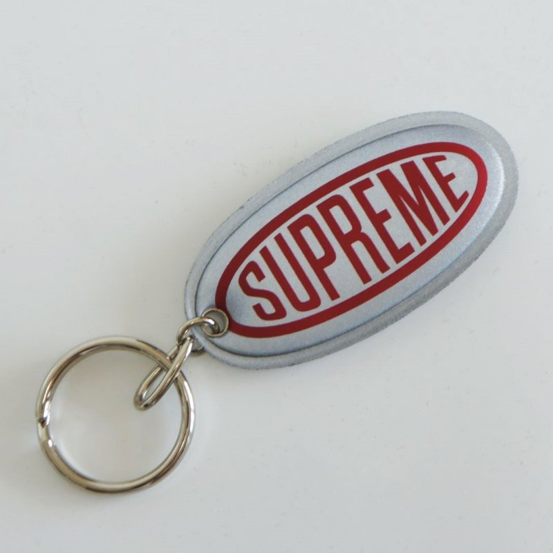 Supreme Reflective Keychain<img class='new_mark_img2' src='https://img.shop-pro.jp/img/new/icons47.gif' style='border:none;display:inline;margin:0px;padding:0px;width:auto;' />
