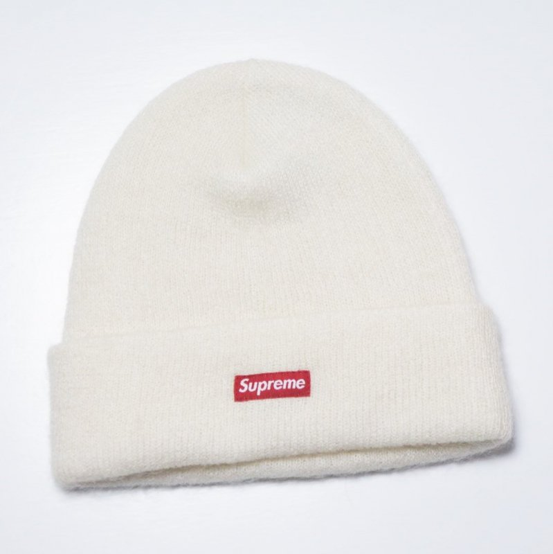 Supreme Mohair Beanie <img class='new_mark_img2' src='//img.shop-pro.jp/img/new/icons15.gif' style='border:none;display:inline;margin:0px;padding:0px;width:auto;' />