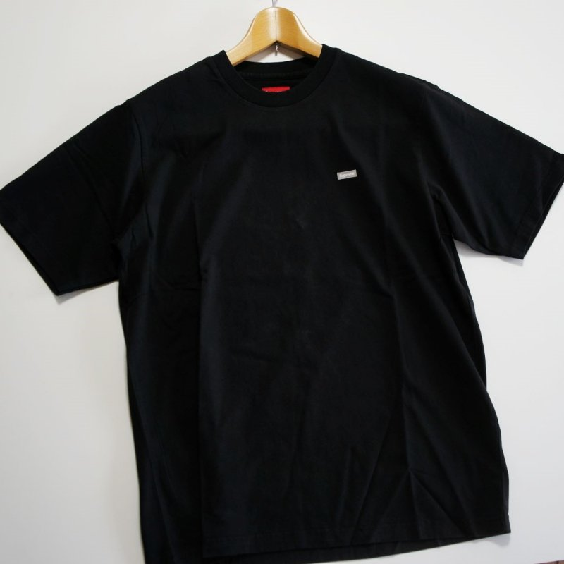 Supreme Reflective Small Box Tee<img class='new_mark_img2' src='https://img.shop-pro.jp/img/new/icons47.gif' style='border:none;display:inline;margin:0px;padding:0px;width:auto;' />