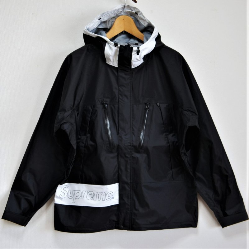 Supreme Taped Seam Jacket<img class='new_mark_img2' src='//img.shop-pro.jp/img/new/icons16.gif' style='border:none;display:inline;margin:0px;padding:0px;width:auto;' />