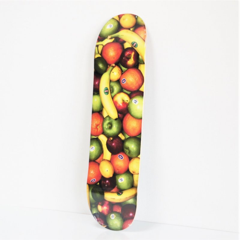 Supreme Fruit Skateboard<img class='new_mark_img2' src='https://img.shop-pro.jp/img/new/icons15.gif' style='border:none;display:inline;margin:0px;padding:0px;width:auto;' />
