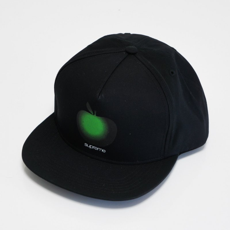 Supreme Apple 5-Panel<img class='new_mark_img2' src='//img.shop-pro.jp/img/new/icons15.gif' style='border:none;display:inline;margin:0px;padding:0px;width:auto;' />