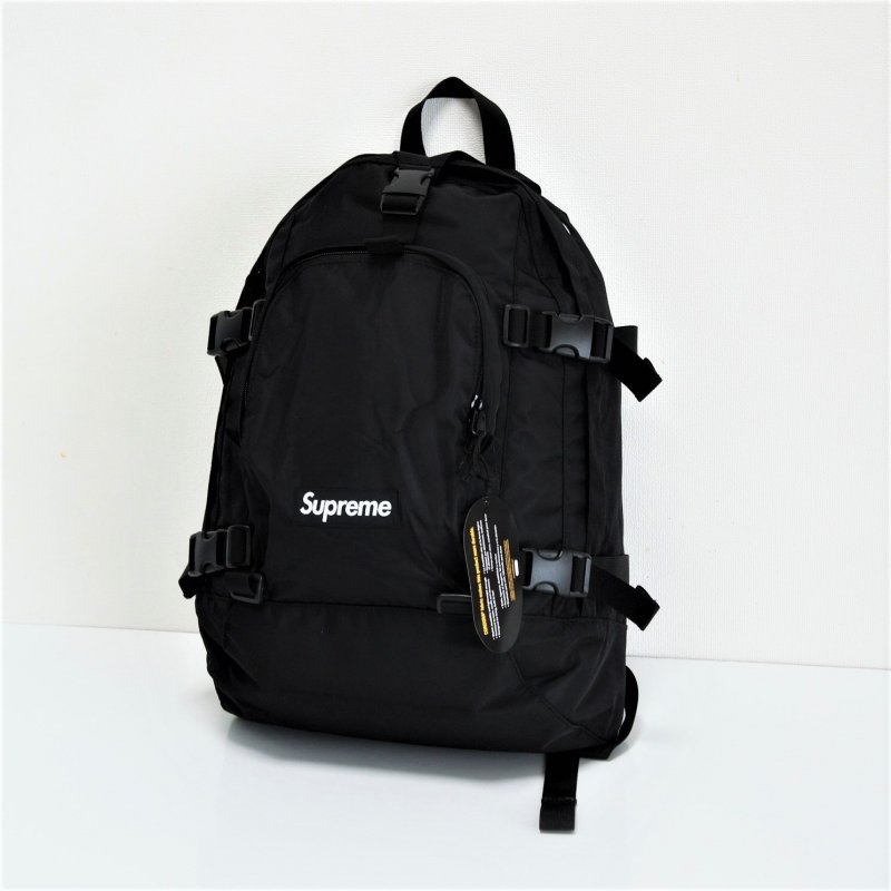 Supreme Backpack<img class='new_mark_img2' src='//img.shop-pro.jp/img/new/icons15.gif' style='border:none;display:inline;margin:0px;padding:0px;width:auto;' />