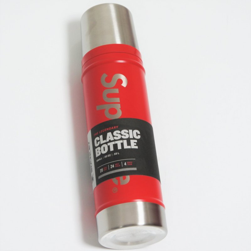 Supreme Stanley Vacuum Insulated Bottle<img class='new_mark_img2' src='//img.shop-pro.jp/img/new/icons15.gif' style='border:none;display:inline;margin:0px;padding:0px;width:auto;' />