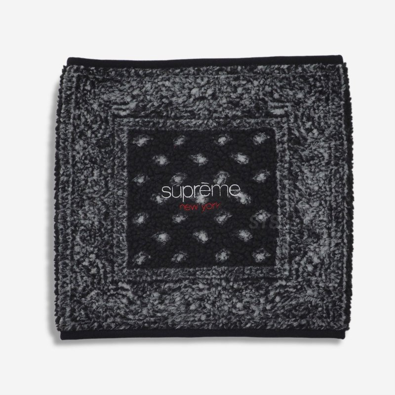 Supreme Bandana Fleece Neck Gaiter<img class='new_mark_img2' src='//img.shop-pro.jp/img/new/icons15.gif' style='border:none;display:inline;margin:0px;padding:0px;width:auto;' />