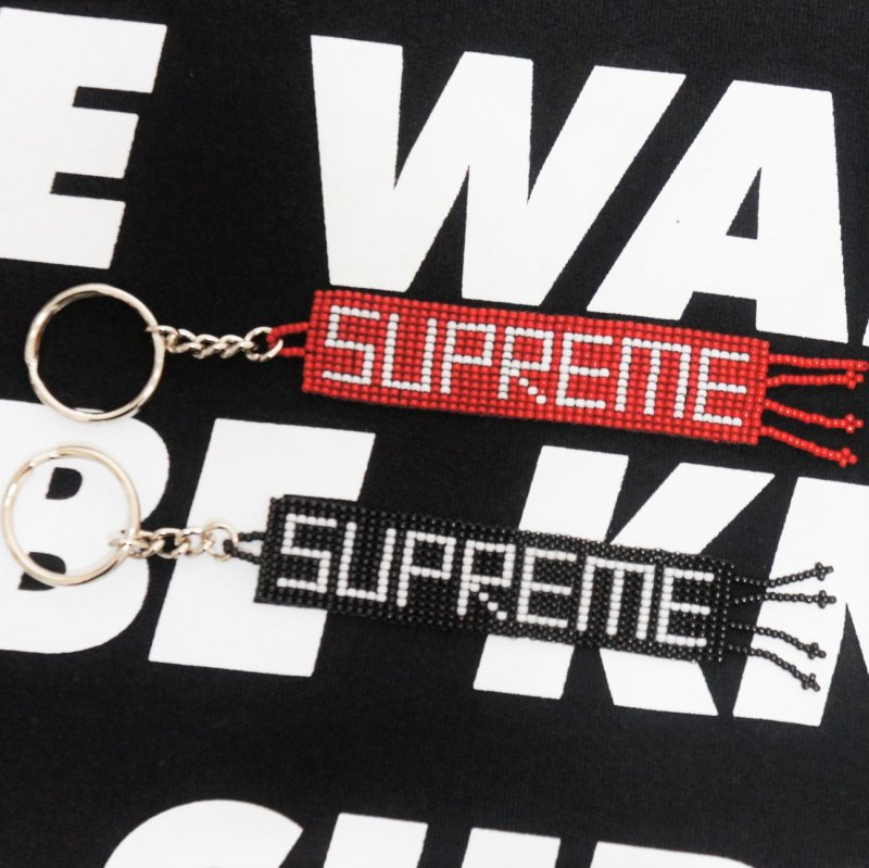 Supreme Beaded Keychain<img class='new_mark_img2' src='//img.shop-pro.jp/img/new/icons15.gif' style='border:none;display:inline;margin:0px;padding:0px;width:auto;' />