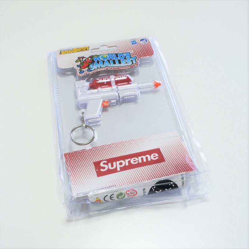 Supreme Super Soaker 50 Water Blaster Keychain<img class='new_mark_img2' src='https://img.shop-pro.jp/img/new/icons47.gif' style='border:none;display:inline;margin:0px;padding:0px;width:auto;' />