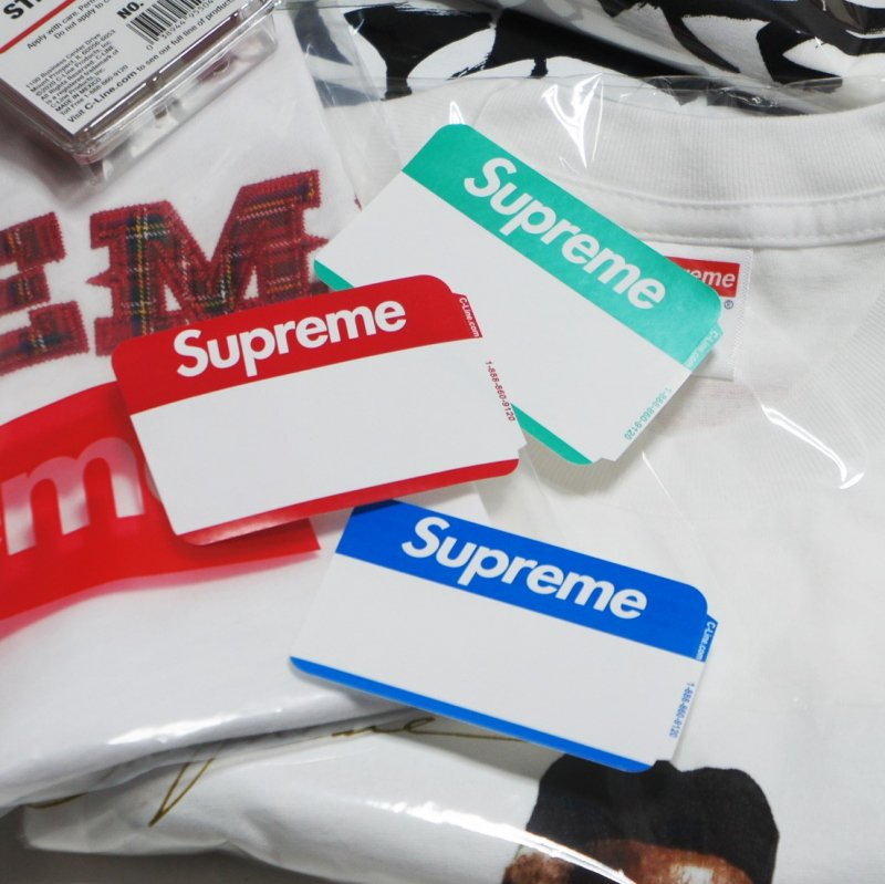 Supreme Name Badge Sticker<img class='new_mark_img2' src='https://img.shop-pro.jp/img/new/icons15.gif' style='border:none;display:inline;margin:0px;padding:0px;width:auto;' />
