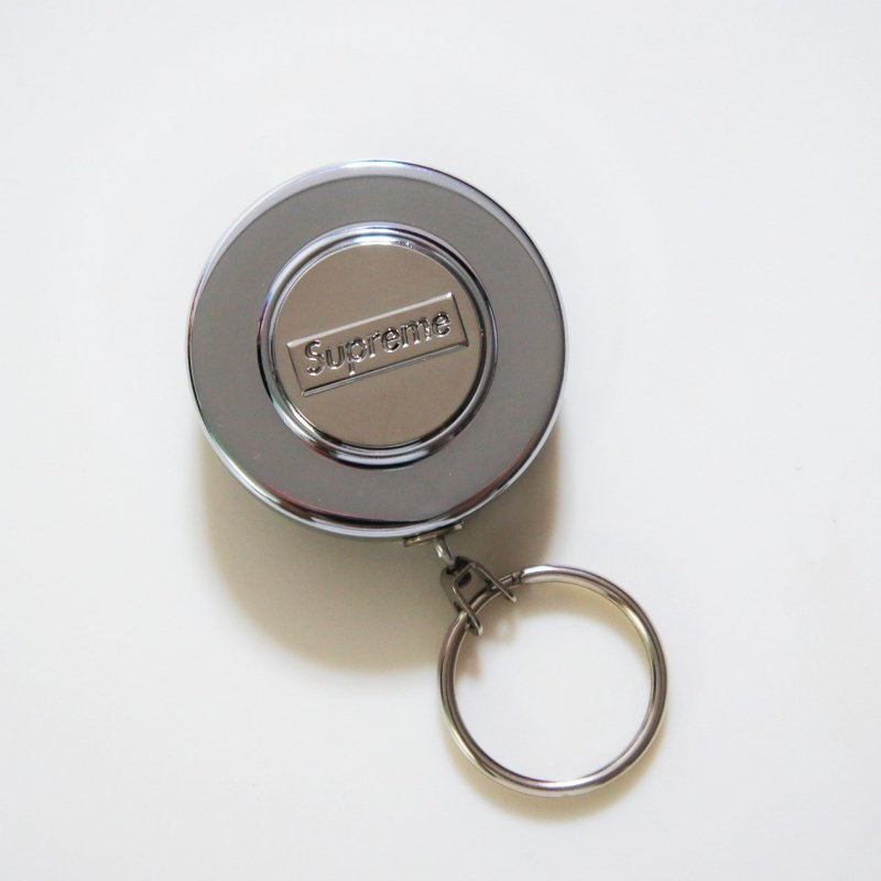 Supreme®/Original Retractable Keychain<img class='new_mark_img2' src='https://img.shop-pro.jp/img/new/icons15.gif' style='border:none;display:inline;margin:0px;padding:0px;width:auto;' />