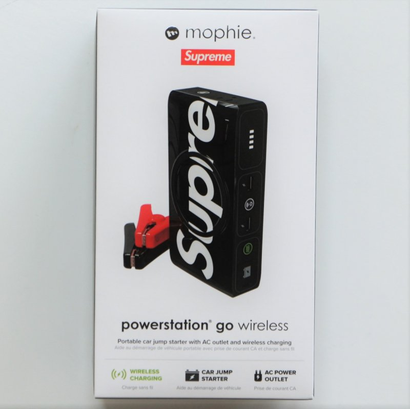 Supreme mophie powerstation Go<img class='new_mark_img2' src='https://img.shop-pro.jp/img/new/icons15.gif' style='border:none;display:inline;margin:0px;padding:0px;width:auto;' />