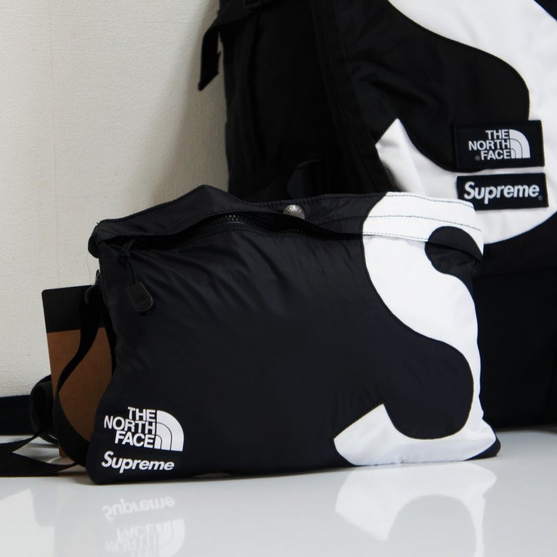 Supreme The North Face S Logo Shoulder Bag<img class='new_mark_img2' src='https://img.shop-pro.jp/img/new/icons15.gif' style='border:none;display:inline;margin:0px;padding:0px;width:auto;' />