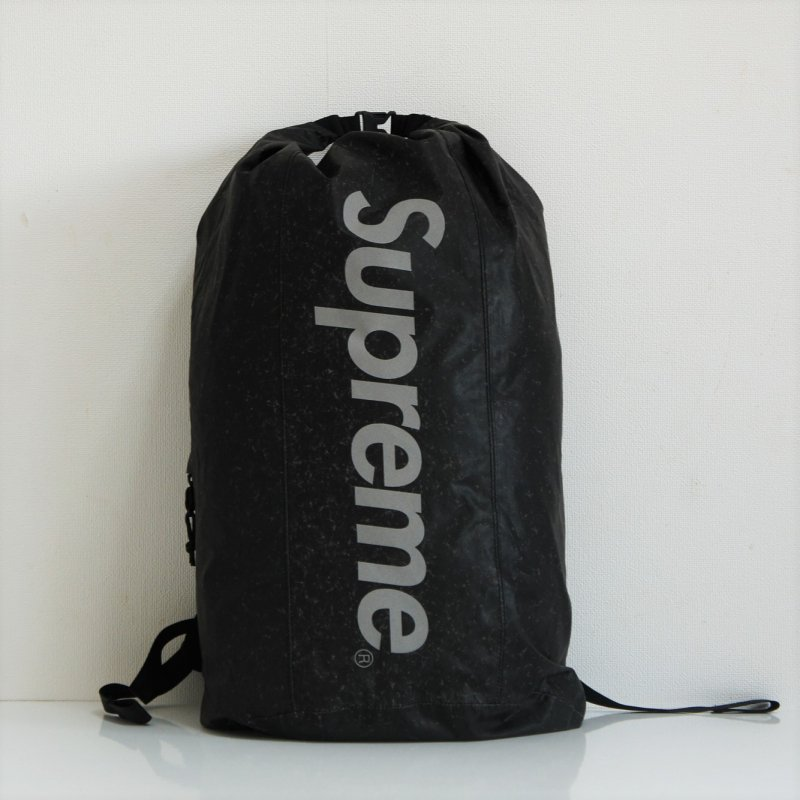 Supreme Waterproof Reflective Speckled Backpack<img class='new_mark_img2' src='https://img.shop-pro.jp/img/new/icons15.gif' style='border:none;display:inline;margin:0px;padding:0px;width:auto;' />