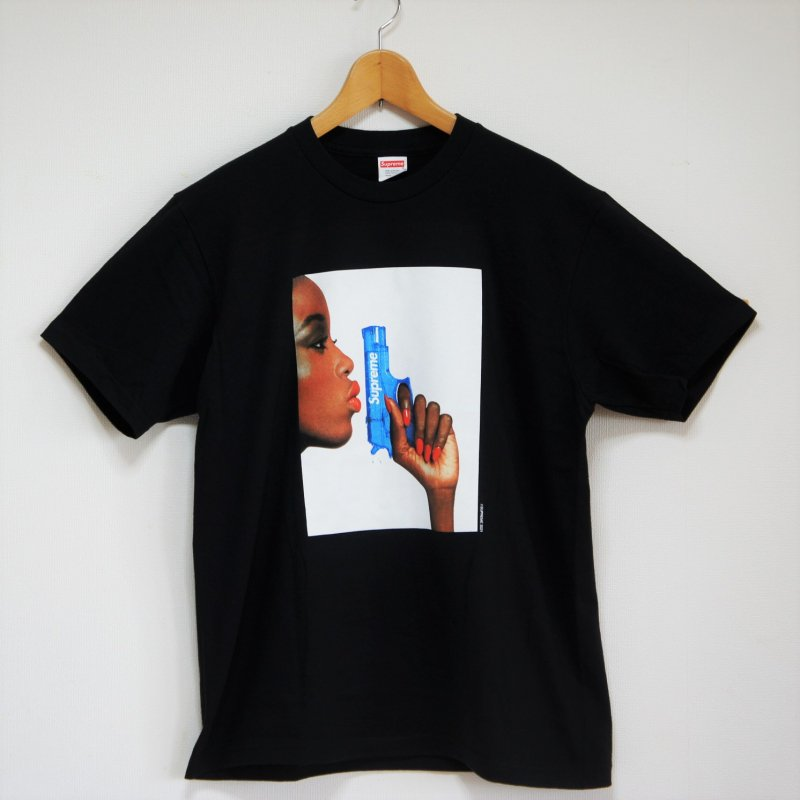 Supreme Water Pistol Tee <img class='new_mark_img2' src='https://img.shop-pro.jp/img/new/icons15.gif' style='border:none;display:inline;margin:0px;padding:0px;width:auto;' />