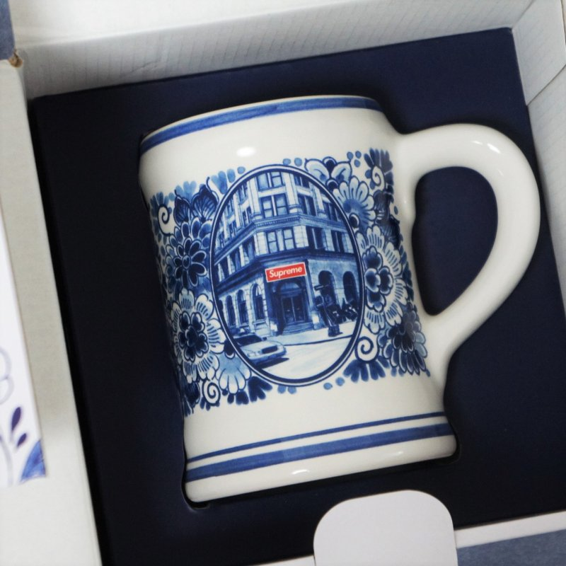 Supreme®/Royal Delft 190 Bowery Beer Mug<img class='new_mark_img2' src='https://img.shop-pro.jp/img/new/icons15.gif' style='border:none;display:inline;margin:0px;padding:0px;width:auto;' />