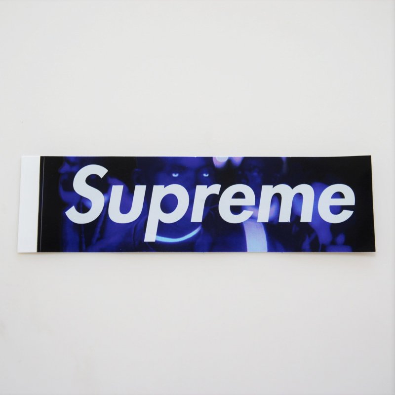 Supreme AMERICA EATS ITS YOUNG Box Logo Sticker<img class='new_mark_img2' src='https://img.shop-pro.jp/img/new/icons15.gif' style='border:none;display:inline;margin:0px;padding:0px;width:auto;' />