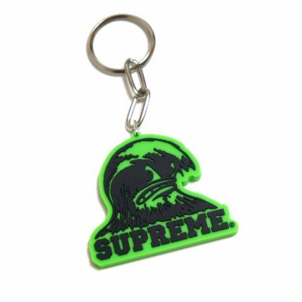 Supreme Wave Keychain<img class='new_mark_img2' src='https://img.shop-pro.jp/img/new/icons47.gif' style='border:none;display:inline;margin:0px;padding:0px;width:auto;' />