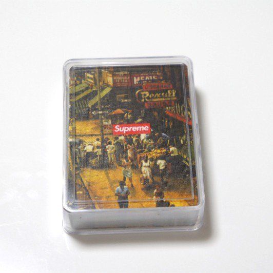 Supreme Classic Scene Bicycle Playing Cards<img class='new_mark_img2' src='https://img.shop-pro.jp/img/new/icons47.gif' style='border:none;display:inline;margin:0px;padding:0px;width:auto;' />