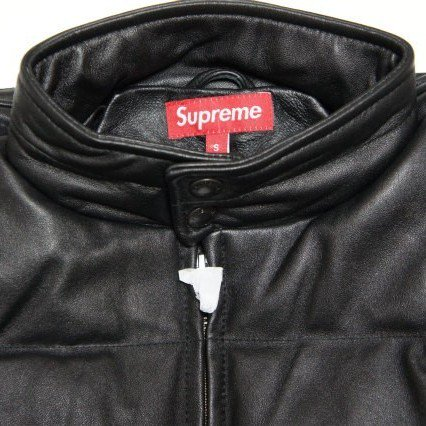 Supreme Leather Down Jacket<img class='new_mark_img2' src='//img.shop-pro.jp/img/new/icons47.gif' style='border:none;display:inline;margin:0px;padding:0px;width:auto;' />