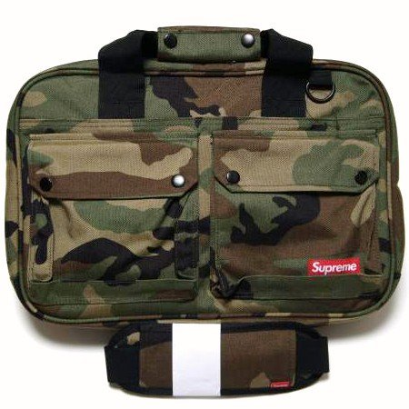 Supreme x Cordura Utility Bag<img class='new_mark_img2' src='//img.shop-pro.jp/img/new/icons47.gif' style='border:none;display:inline;margin:0px;padding:0px;width:auto;' />