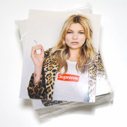 Supreme Kate Moss Tee Sticker ステッカー<img class='new_mark_img2' src='//img.shop-pro.jp/img/new/icons47.gif' style='border:none;display:inline;margin:0px;padding:0px;width:auto;' />