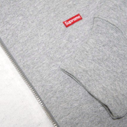 Supreme Small Box Logo Zip Up<img class='new_mark_img2' src='https://img.shop-pro.jp/img/new/icons47.gif' style='border:none;display:inline;margin:0px;padding:0px;width:auto;' />