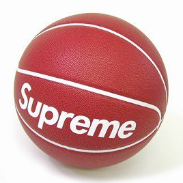 Supreme x Spalding Basketball<img class='new_mark_img2' src='//img.shop-pro.jp/img/new/icons47.gif' style='border:none;display:inline;margin:0px;padding:0px;width:auto;' />