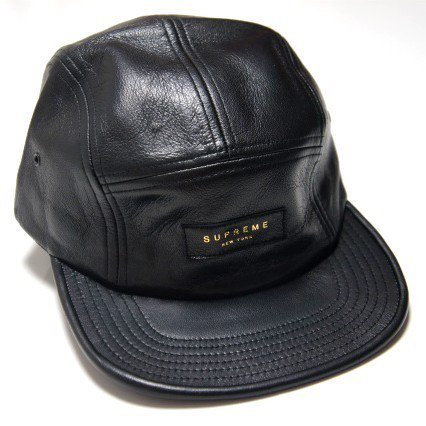 Supreme Leather Camp Cap<img class='new_mark_img2' src='https://img.shop-pro.jp/img/new/icons47.gif' style='border:none;display:inline;margin:0px;padding:0px;width:auto;' />
