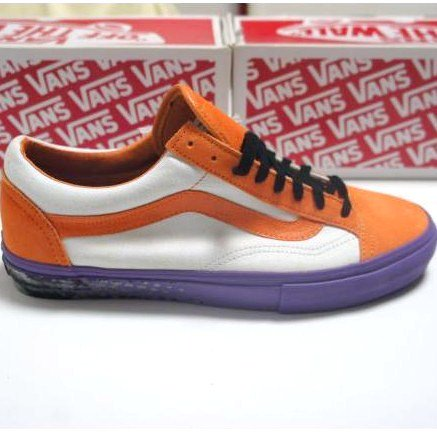 Supreme  VANS OLDSKOOL<img class='new_mark_img2' src='https://img.shop-pro.jp/img/new/icons47.gif' style='border:none;display:inline;margin:0px;padding:0px;width:auto;' />
